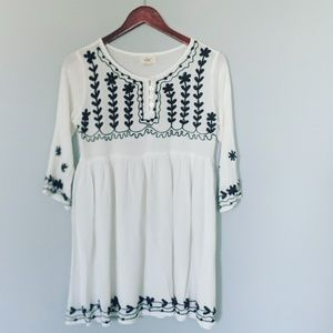 Exist White Linen Dress  Navy Floral Embroidery